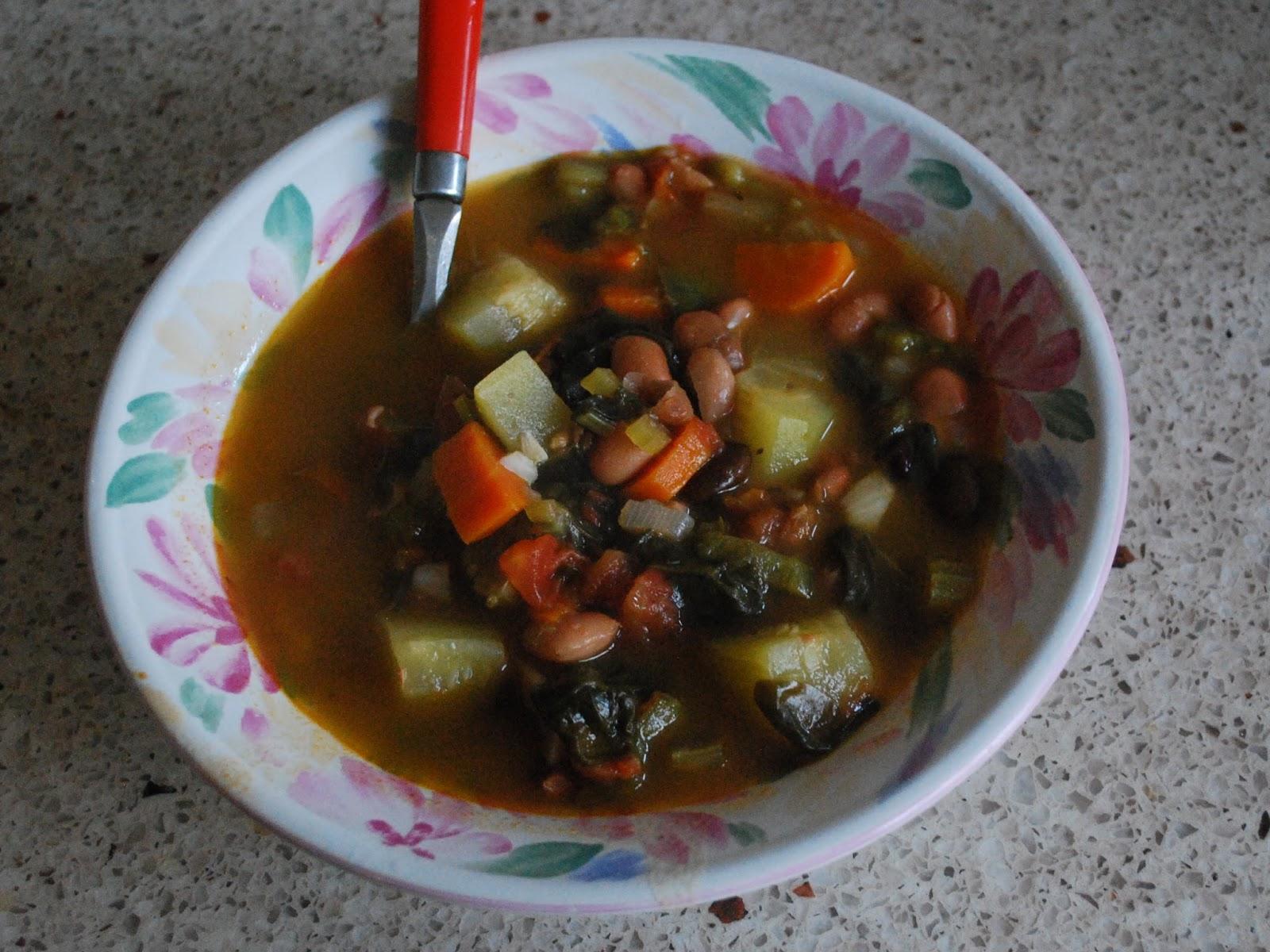 Hannah Claudia : Olive Garden Minestrone Soup {CopyCat Recipe}