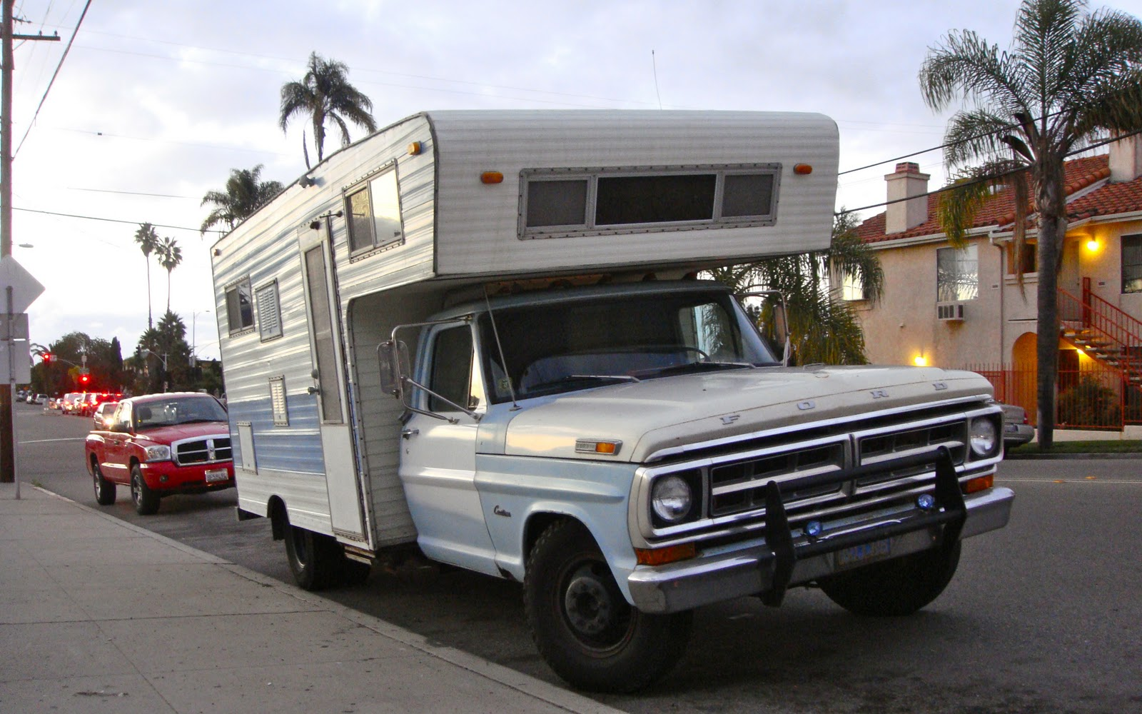 THE STREET PEEP: 1971 Ford F250 Custom Camper