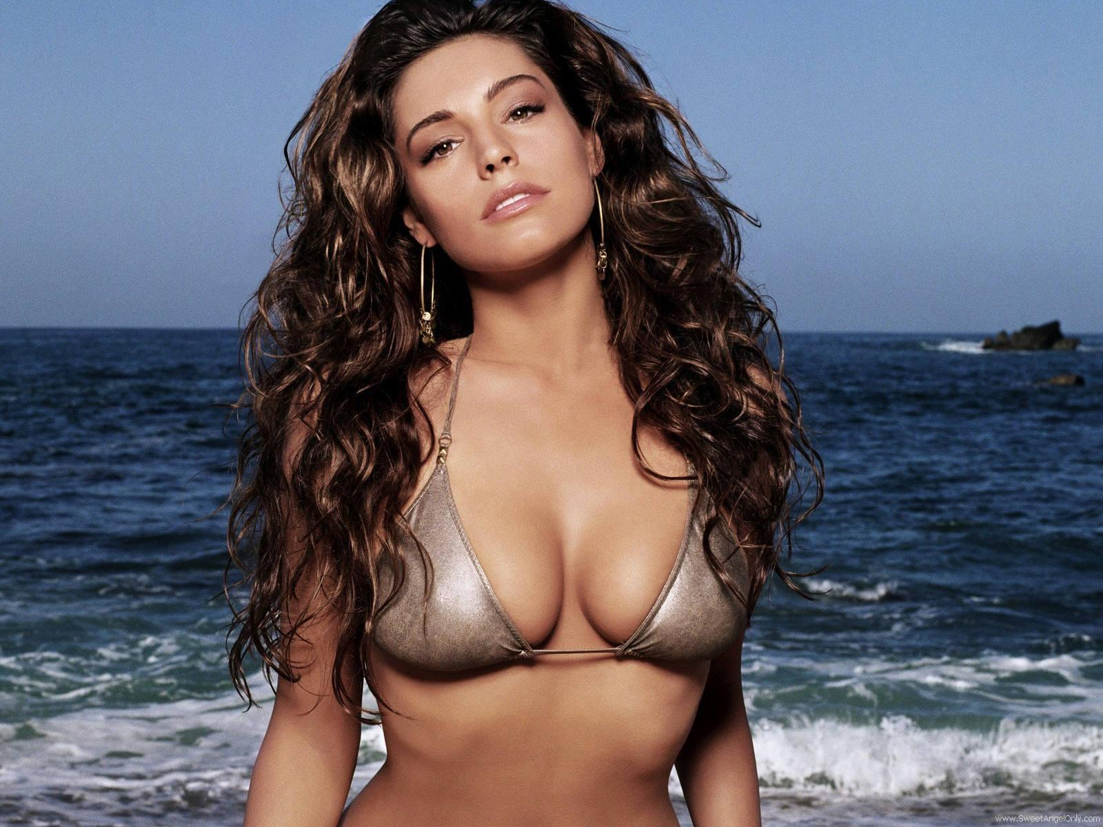 http://4.bp.blogspot.com/-Dj3Ius7kW2o/TeDnt4KiNvI/AAAAAAAAFkw/eywSQN-nHNg/s1600/kelly_brook_a_HD_Wallpaper_64.jpg