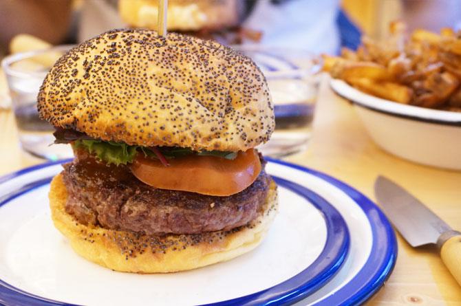 Burger du restaurant Les Frangins à Lyon