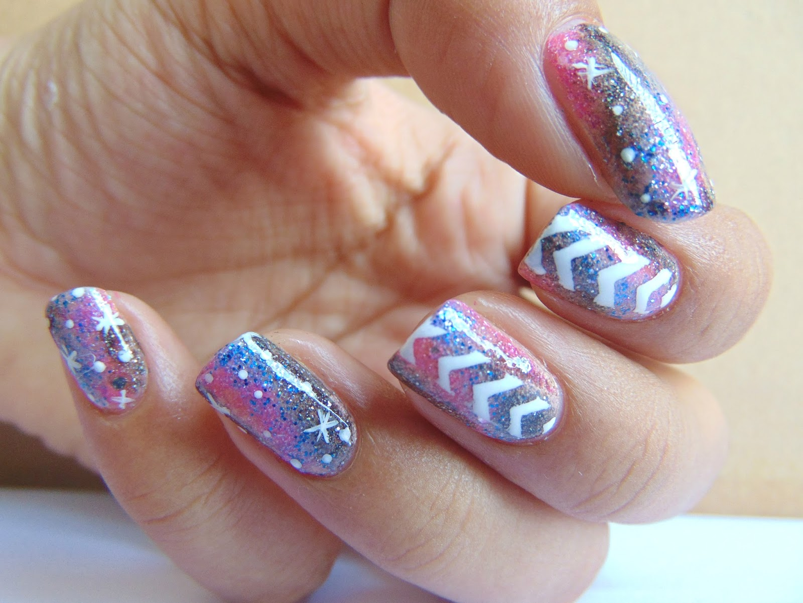 Staggered Galaxy Nail Art | Color The Nails