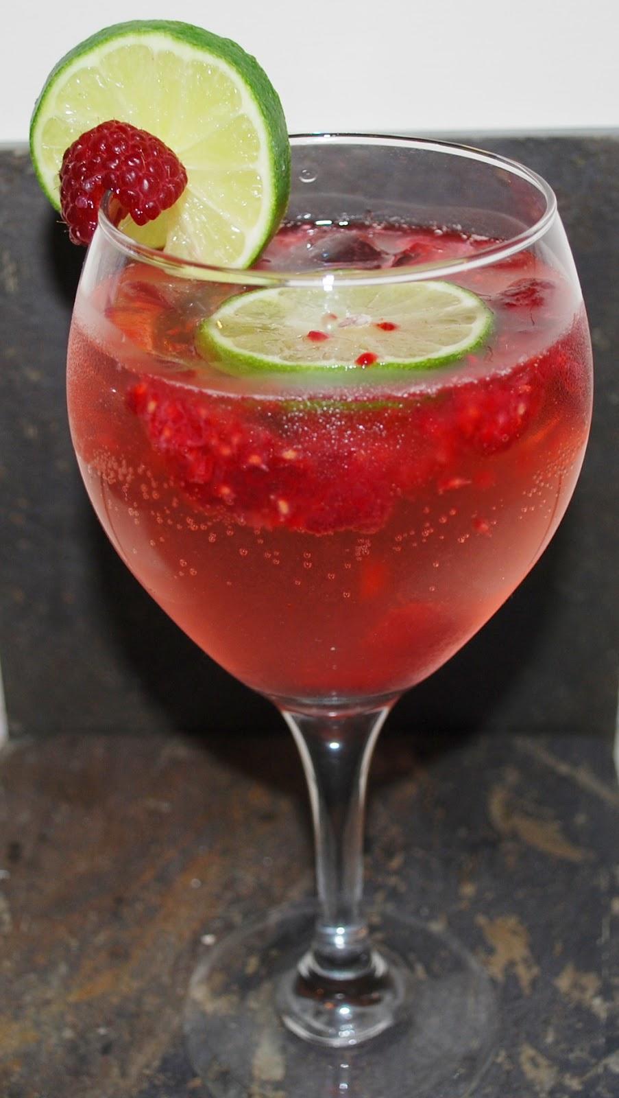 Raspberry Lime Moscato Wine Spritzer
