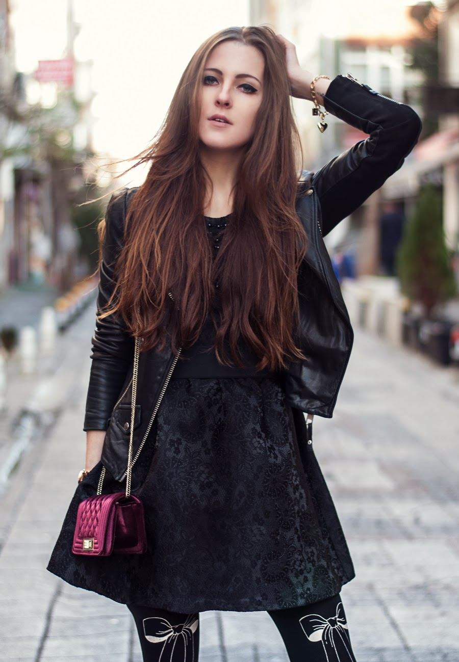 neonrock blog, streetstyle istanbul, fashionblogger, dress outfit, details, printed tights outfit, small clutch bag, leather jacket outfit, giirl, long hair
