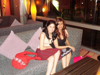 Ayesha Omar and maria wasti