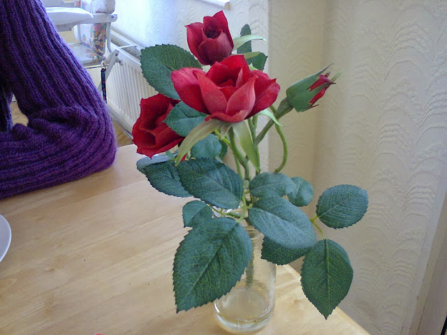 roses via lovebirds vintage