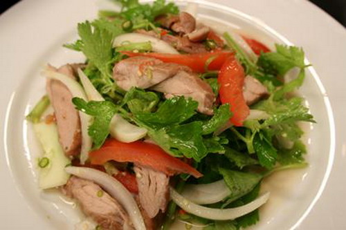 Grilled meat Thai salad, a cheap meat recipe