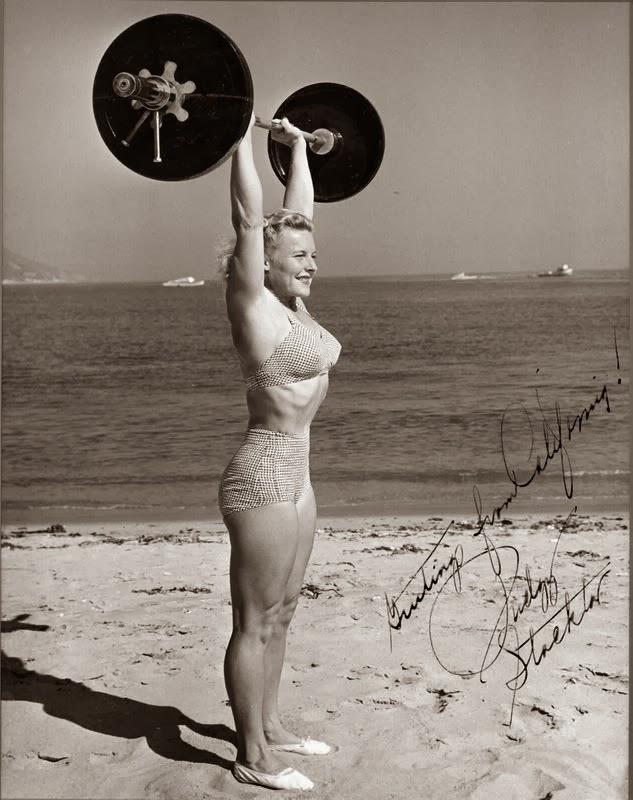 35 Vintage Bodybuilding Photos