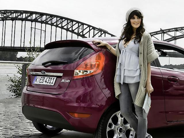 Chicas Mujeres y Carros