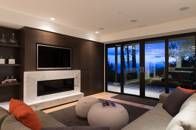 Entertainment room in Elegant modern house in west Vancouver, Canada