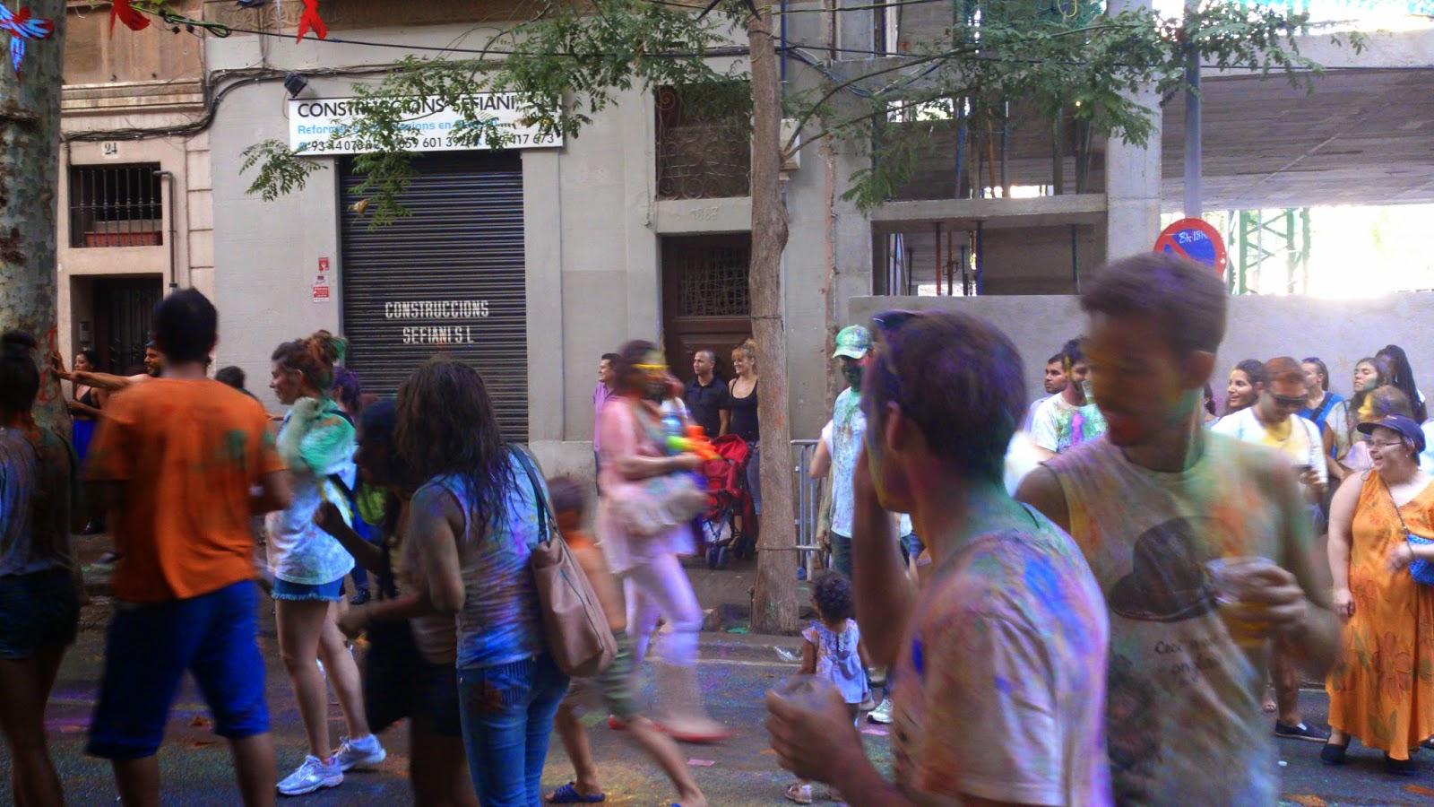 fiesta Holi en las fiestas de Sants