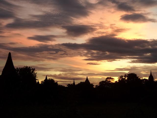 Avventure nel Mondo - Dolce Burma - Bagan - tramonto