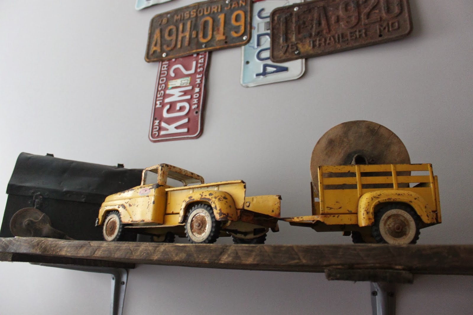 Namely Original: Boy\'s Vintage Car Bedroom