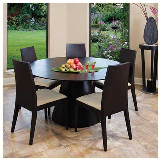 Contemporary And Modern Dining Tables: Wooden Round