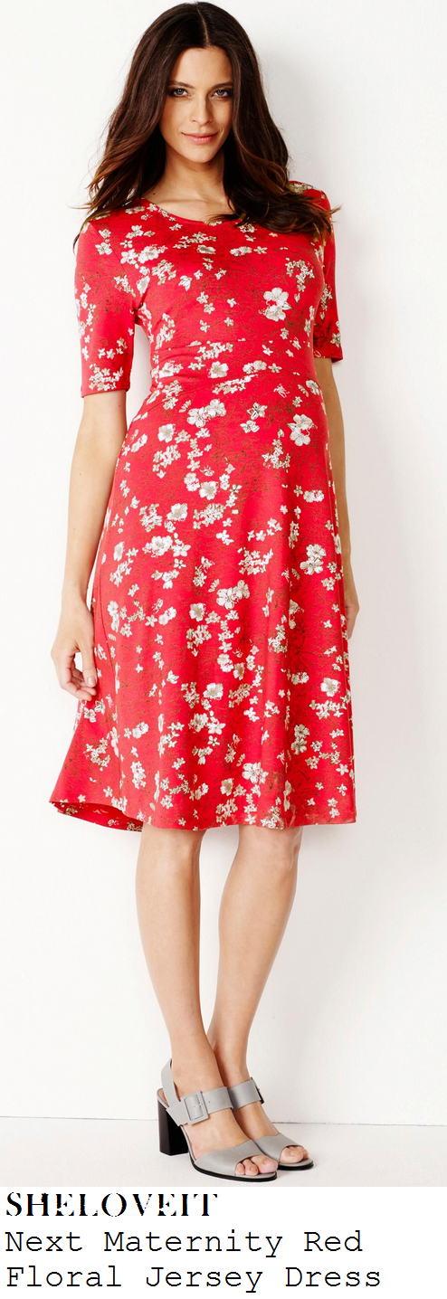 holly-willoughby-red-floral-print-half-sleeve-dress-this-morning