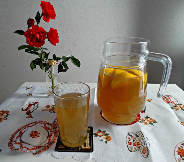 Limonada servida, lista para consumir