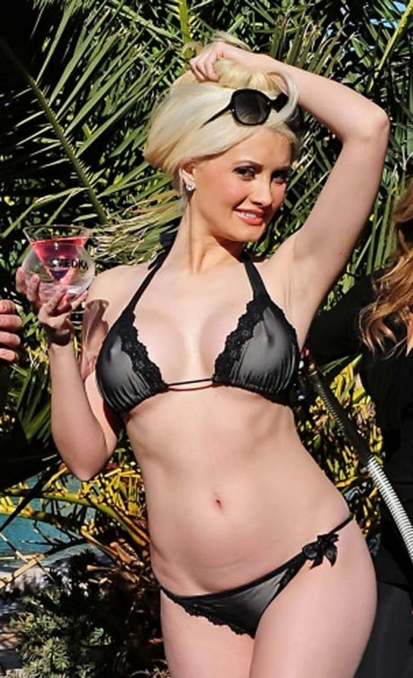 patricia heaton breast pics