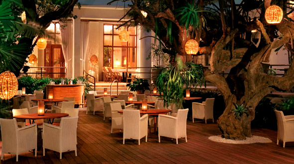 world most popular places outdoor restaurant bar in miami. Black Bedroom Furniture Sets. Home Design Ideas