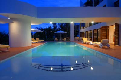 Beautiful swimming pools around the world modern house for Best swimming pool designs in the world