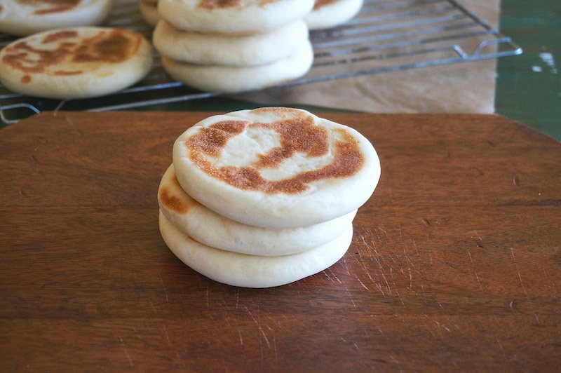 Seasaltwithfood chinese hamburger buns tuesday december 9 2014 no comments asian breads and bakes breakfast chinese video tutorial forumfinder Image collections
