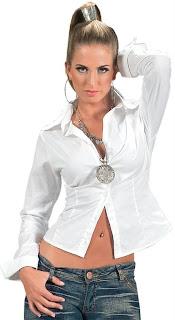 Weiße Hemden sind im Sommer 2013 populär