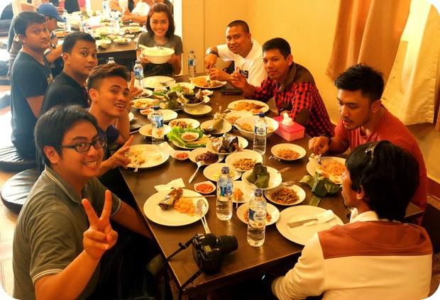 rumah makan palembang