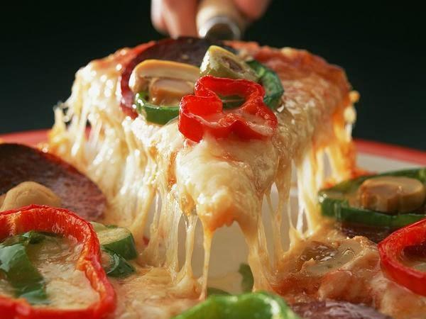 الطريقة الكاملة لعمل البيتزا فى المنزل