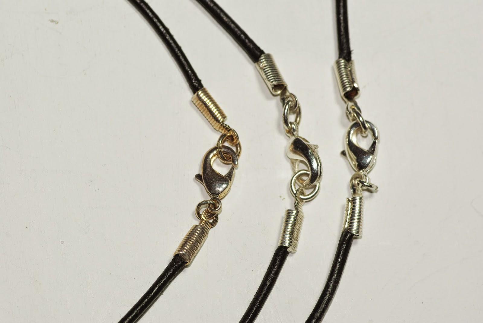 Astuce nettoyer des bijoux en argent ou plaqu s argent for Astuce pour nettoyer des bijoux en argent