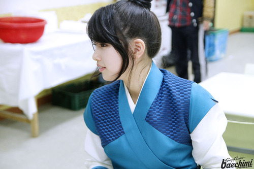 Suzy Gu Family Book Photo Update