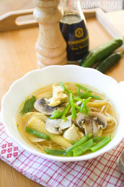 Zupa chińska z makaronem