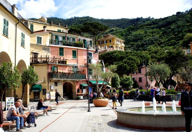 Monterosso al Mare old town square - Cinque Terre
