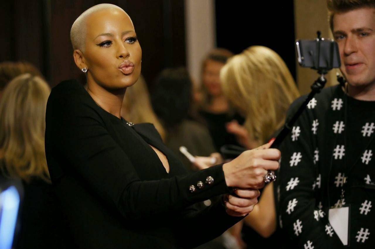 أمبر روز في حفل جوائز مجلة بيبول في بيفرلي هيلز