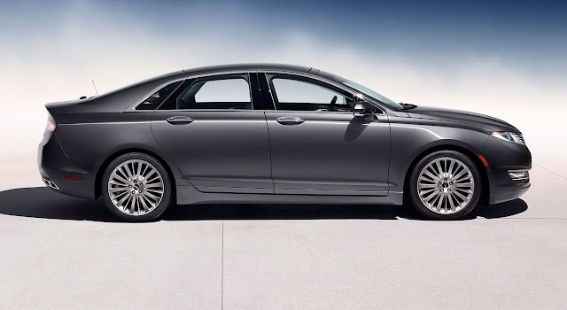 Lincoln MKZ 2013 side