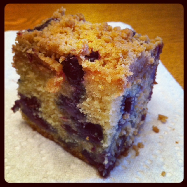 United Cakedom: Blueberry Crumb Cake