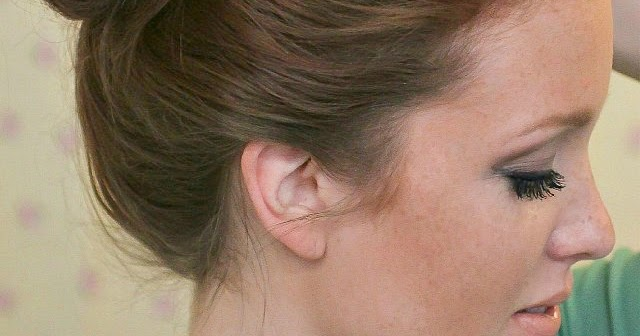 'The Basics' Hair Week, Tutorial #4: The 10 Sec Top-knot