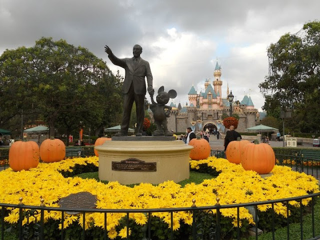 Walt Disney mickey Halloween