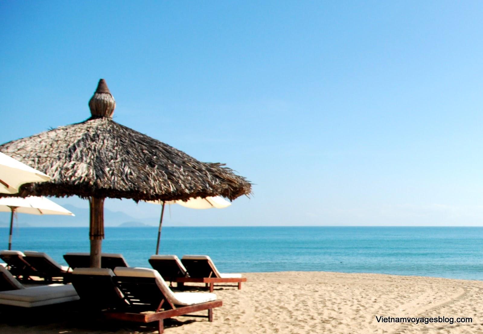Biển Nha Trang trong nắng sớm
