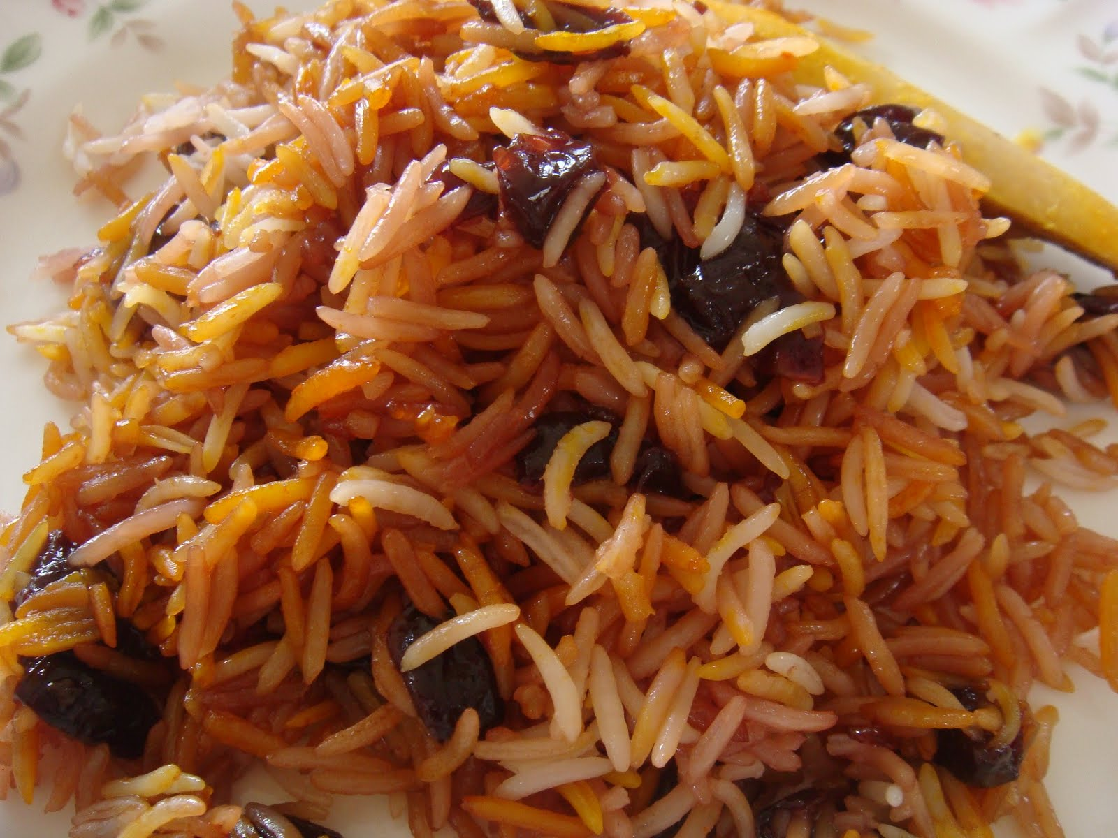 Savorychicks: Albaloo Polo- Sour Cherry Persian Rice for New Years