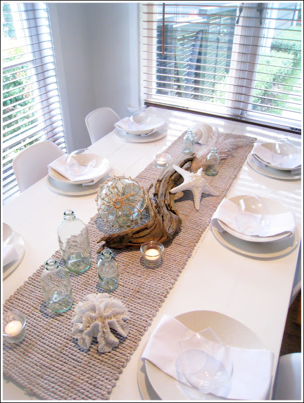 Sommerwhite coastal tablescape for Tablescape decor