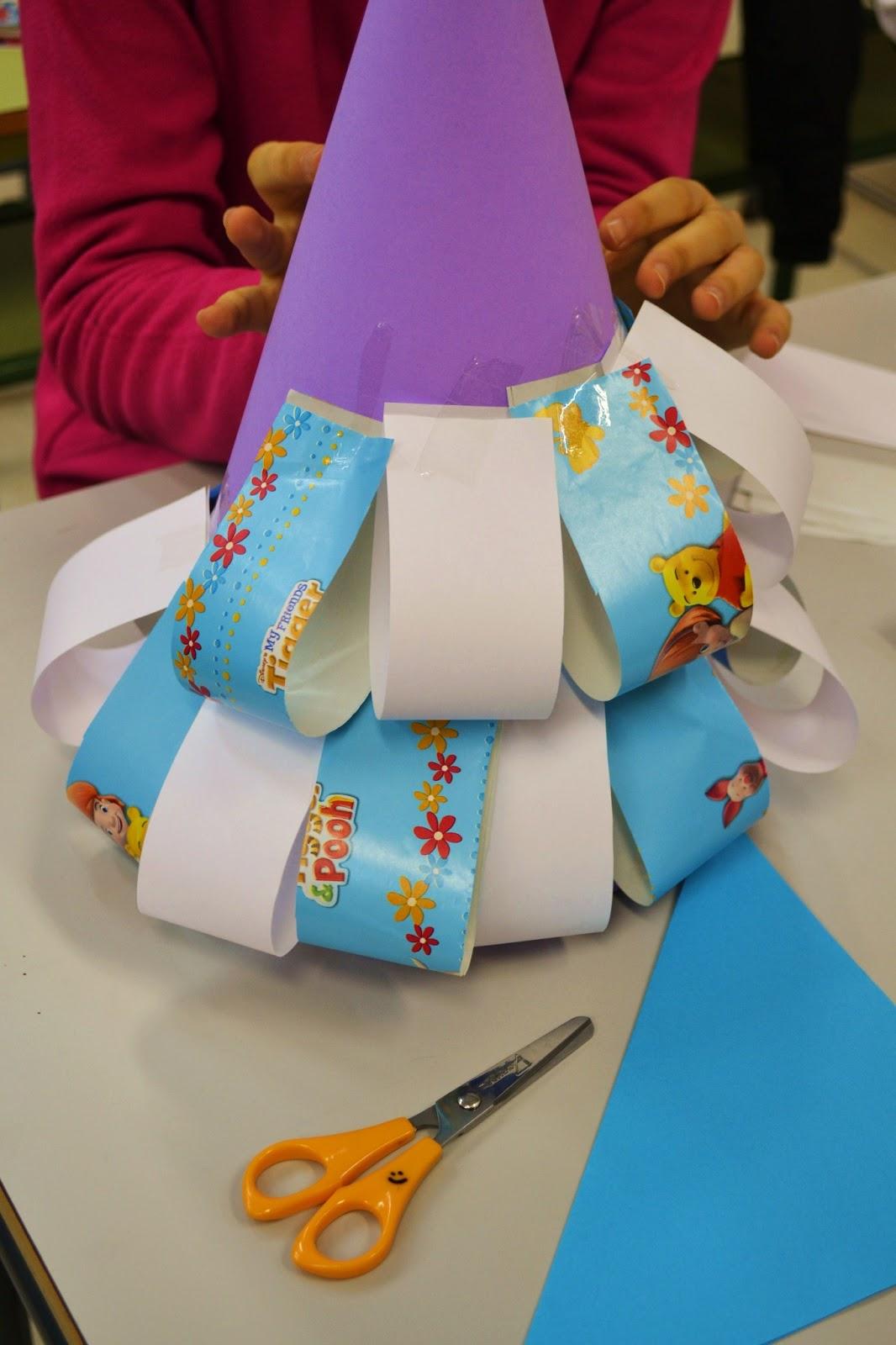 Pl stica san fernando c mo hacer un rbol de navidad de papel - Arboles de navidad de papel ...