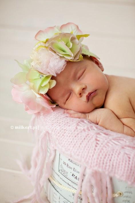 profesjonalne zdjęcia dziecka, artystyczna sesja noworodka, fotografia dziecięca, fotograf noworodkowy