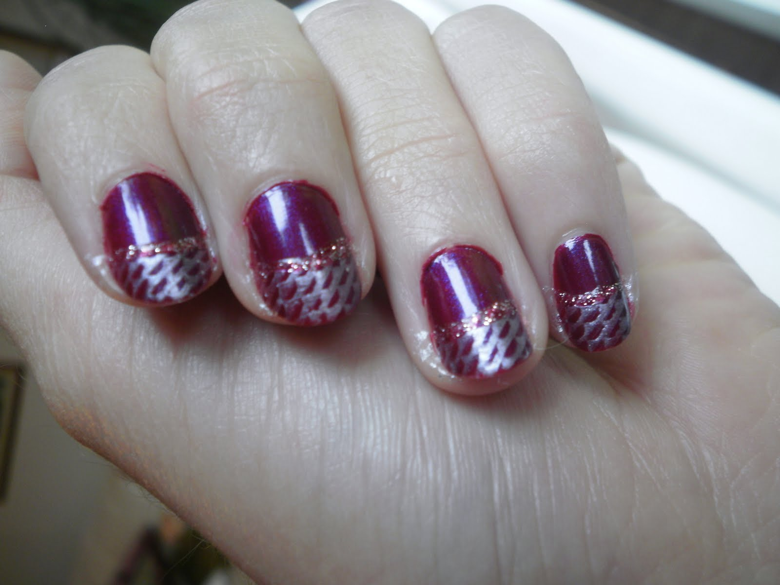 Crazy About Nails: Wine red and silver nails
