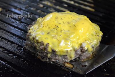 Charcoal-Burgers-Johor-Bahru-City-Square-Mall-Pizza-Box