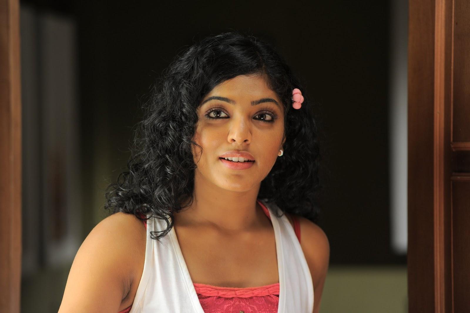 Mallu Actress Hot