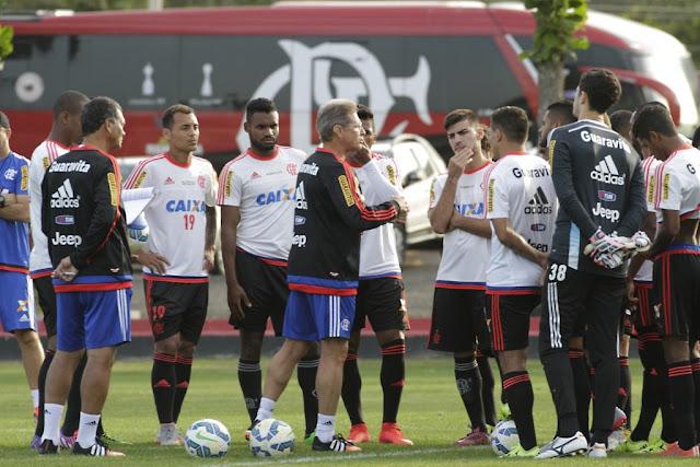 Oswaldo teve pouco tempo para preparar o Flamengo para a sua estreia (foto: Gilvan de Souza/Flamengo)