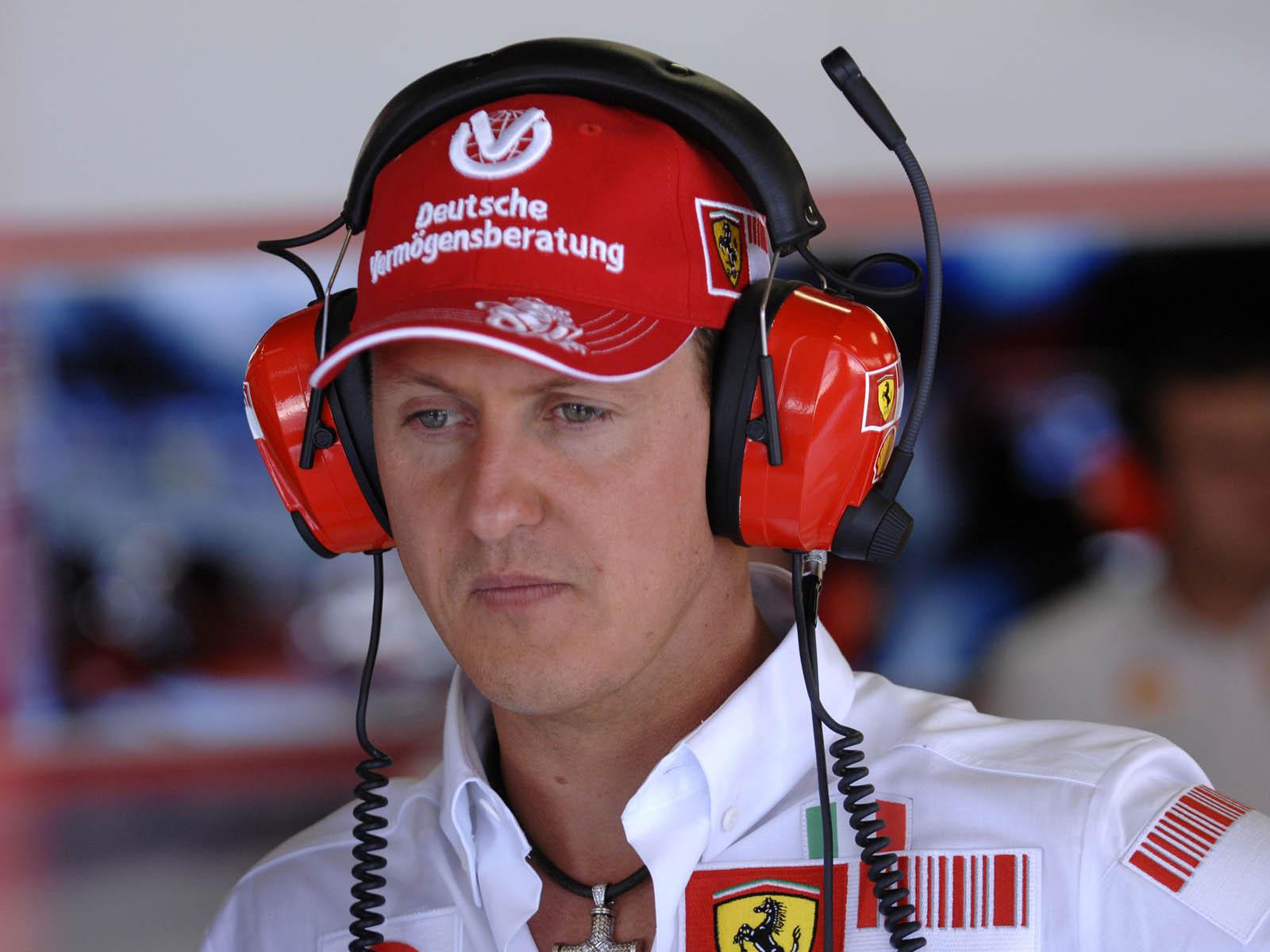 http://4.bp.blogspot.com/-DnWijC6HKKc/US9h6pL-5sI/AAAAAAAAT4A/0C0W8uHaBr8/s1600/Formula+1+Racer+Michael+Schumacher+Wallpapers+01.jpg