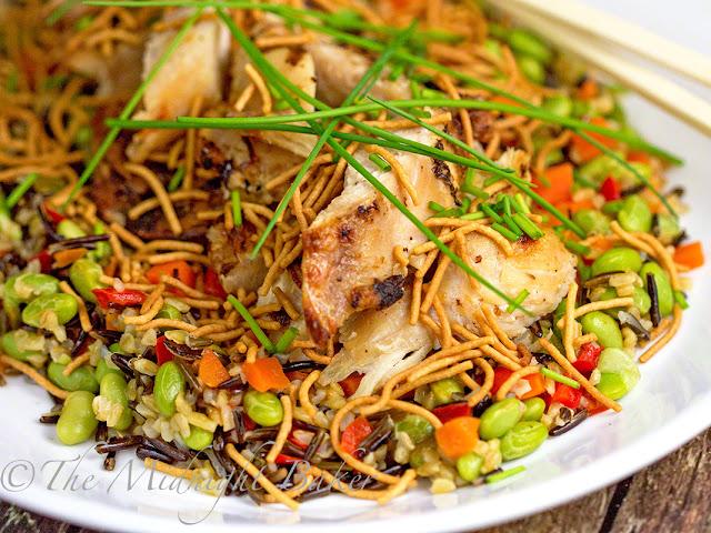 Crunchy Asian Chicken Salad | bakeatmidnite.com | #chicken #healthy #FastFreshFilling #PMedia #ad