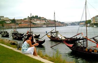 Oporto Porto bodegas rio duero barcas vila nova gaia