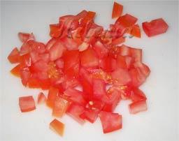 томаты нарезать мелко