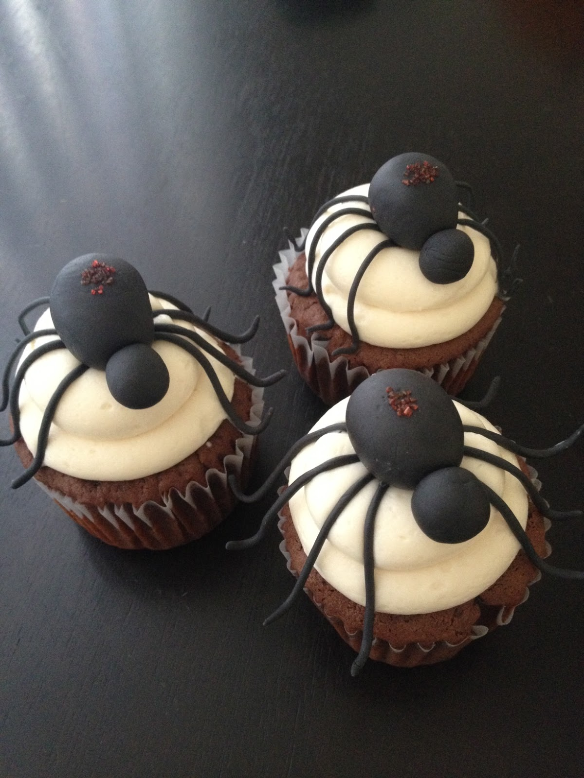 Poisonous spider cupcakes (because that is scarier and grosser than ...