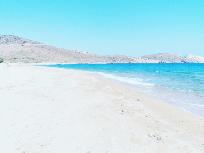 Psathi beach Ios island Greece.Best Ios beaches.Ψάθη παραλία Ίος.Psathi plaza Ios ostrvo Grcka.Where to go in Ios.Ios island travel guide.What to see in Ios.